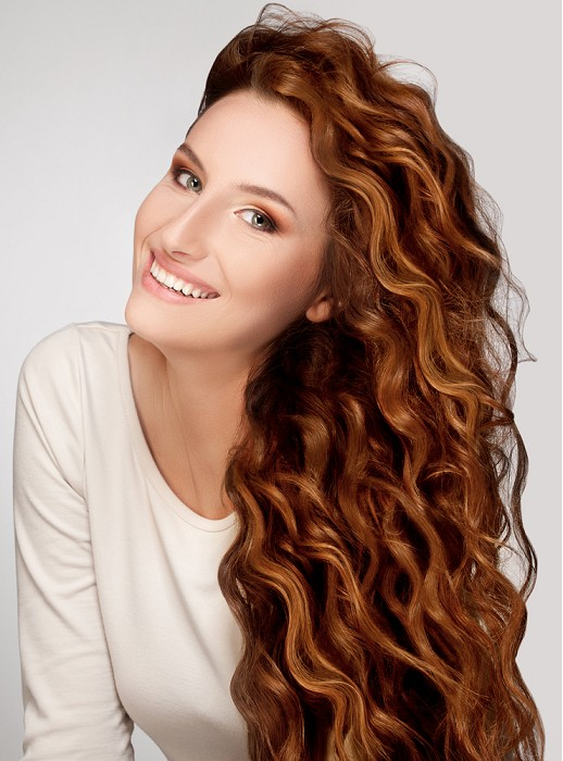 natural red long wavy hair