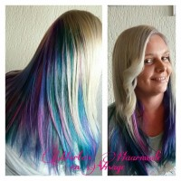 Long, colorful hairstyle with long and curly fringe