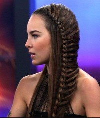 Net braid hairstyle