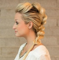 Simple braided hairstyle for blonde girls