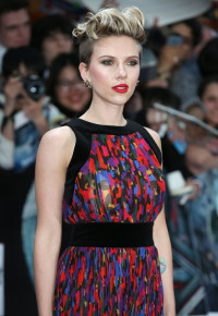 Scarlett Johansson's haircut with wavy fringe