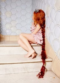 Long, natural red hairstyle for girls
