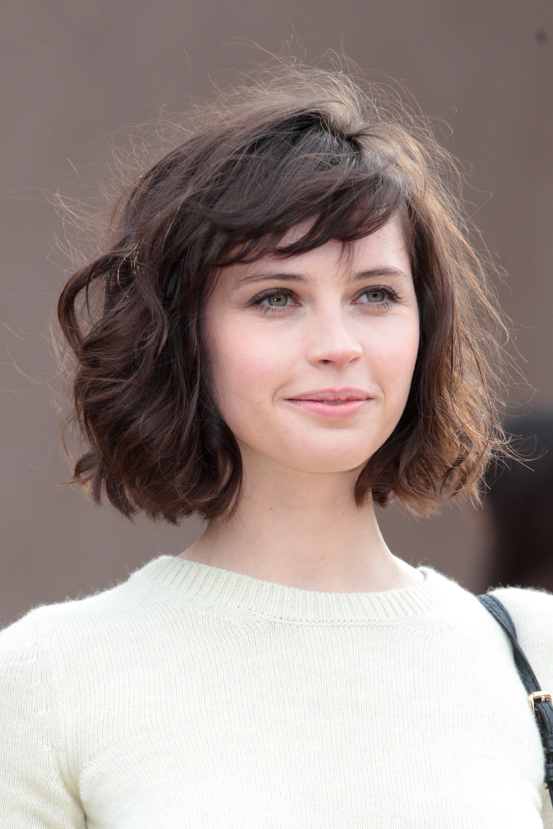 Medium-length hairstyle for brown haired girls