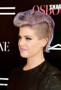Kelly Osbourne' hairstyle