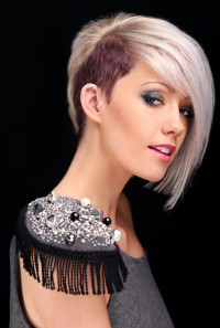 Short, hairstyle with long fringe and dark sides