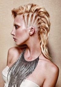 Medium-length, blonde hairstyl with braided side