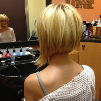 Short, bob hairstyle for blonde girls