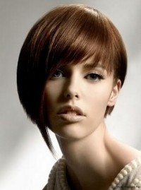 Short, simple hairstyle for brown hair