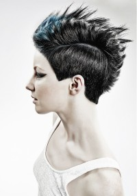 Short haircut with regular cut and spiky fringe