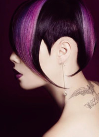 Short, layered hairstyle with regular cut and violet highlights