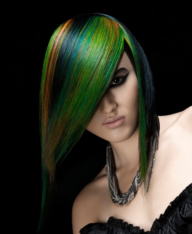 Long, straigtht hairstyle with colourful highlights