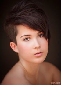 Short, pixie, brown hairstyle