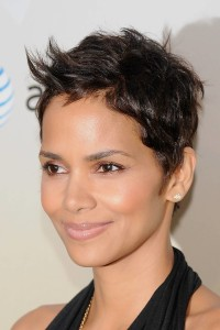 Halle Berry's hairstyle for short haired women