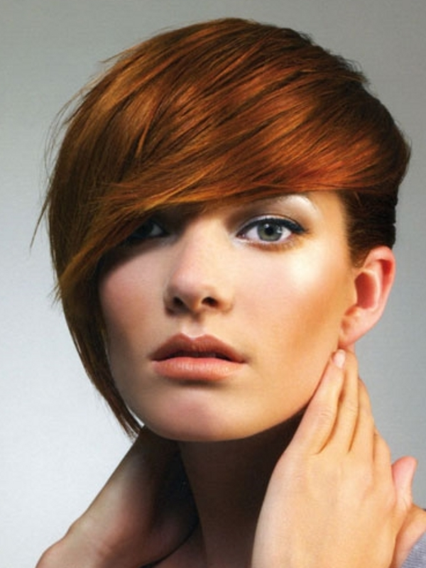 Short, pixie hairstyle for red hair