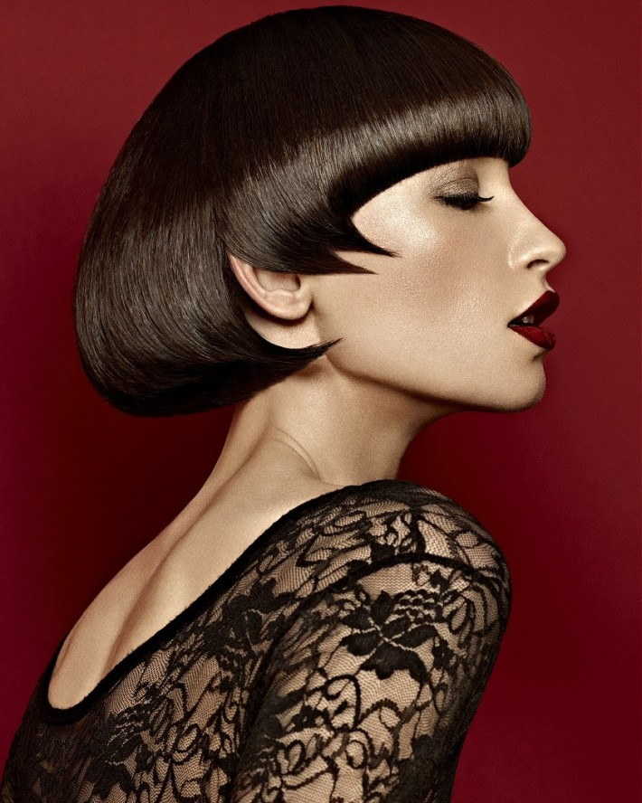 Short, stylised hairstyle with blunt bangs