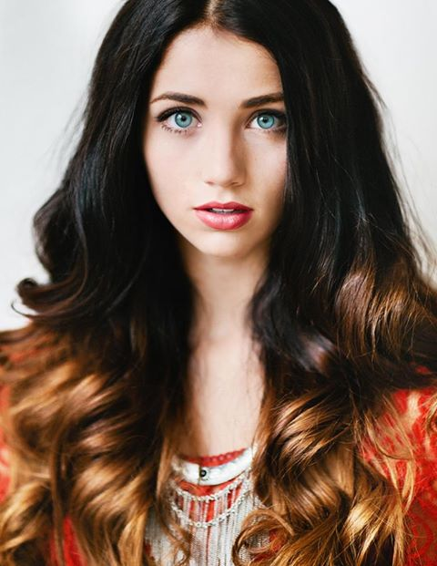 Long, black hairstyle with blonde endings