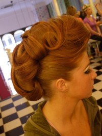 Hairdo for curly, red hair