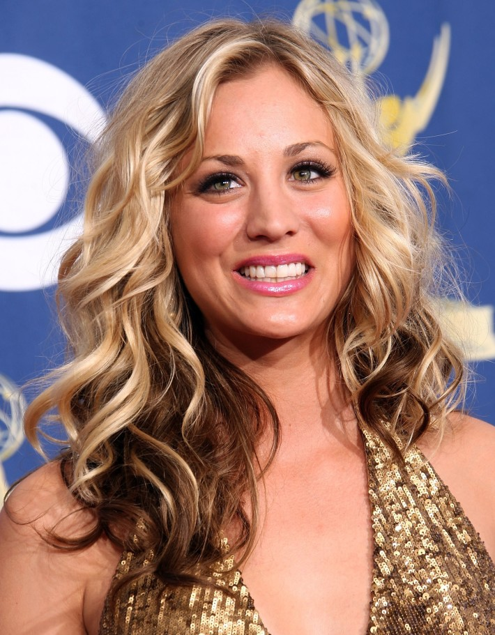 Long, two-toned, blonde hairstyle with curls