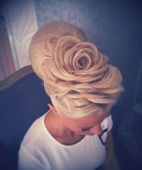 rose like updo for blond girls
