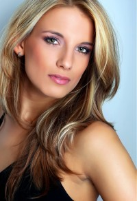 Long, ombre hairstyle for blond girls