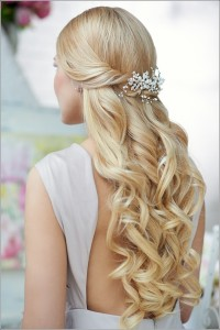 Long, curly, blonde hairstyle for wedding