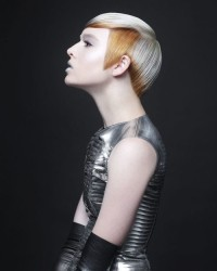 Short, pixie, haircut for platinum hair with blonde layers