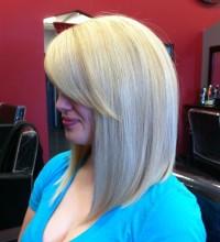 Medium-length, blonde hairstyle