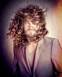 Long, curly men's hairstyle