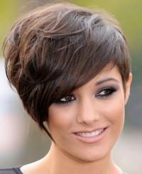 Short, dark brown hair with fringe